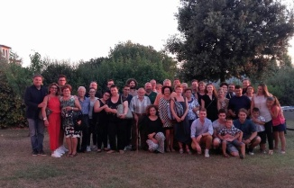 Tutta la famiglia Bellesi raccolta in occasione dei festeggiamenti per il Cinquantenario